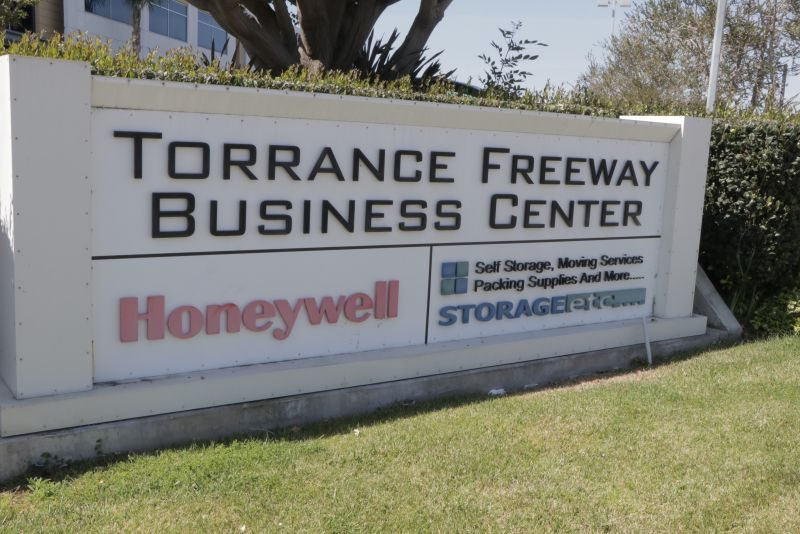 Office for Sale or Lease in Torrance Freeway Business Center